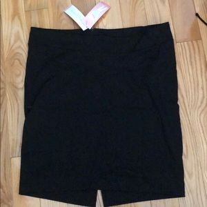 New Liz Lange for Target Black pencil skirts